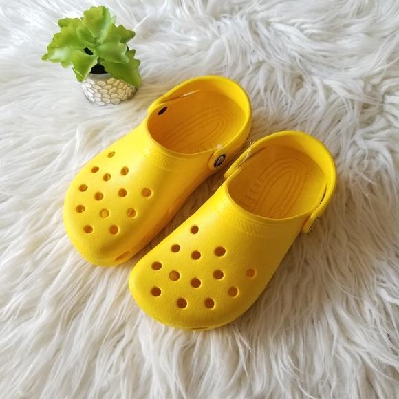 CROCS Shoes   Nwot Girls Yellow Size 5